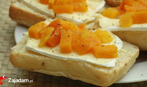 Kanapka - dynia, ser, pieprz, masło