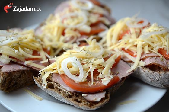 zapiekanki z serem szynka