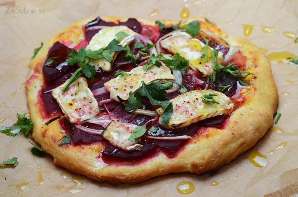 pizza domowa z burakami serem brie