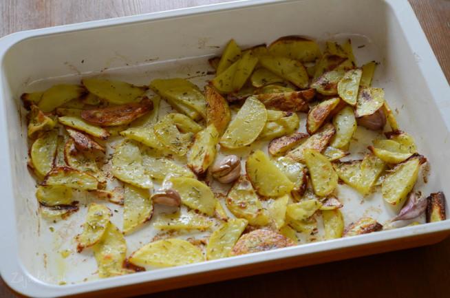 Ziemniaki z blachy pieczone