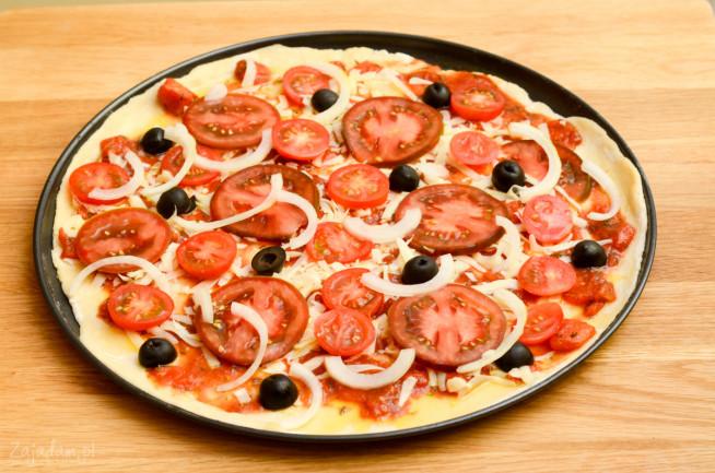 pizza-z-pomidorami-1