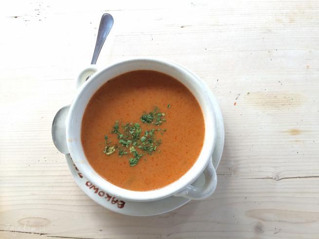 Pyszna i treściwa zupa pomidorowa za 3 zł