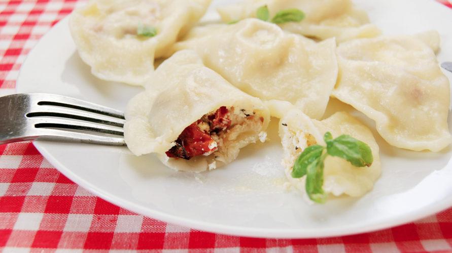 Pierogi z ricottą i suszonymi pomidorami