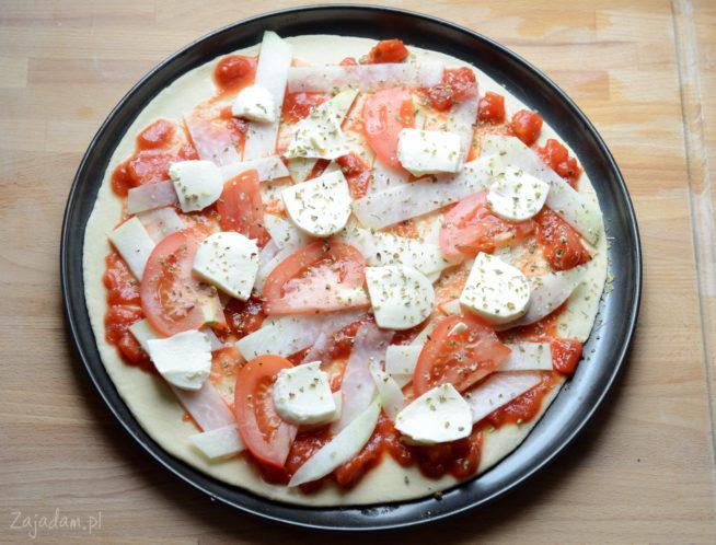 Pizza z kalarepą