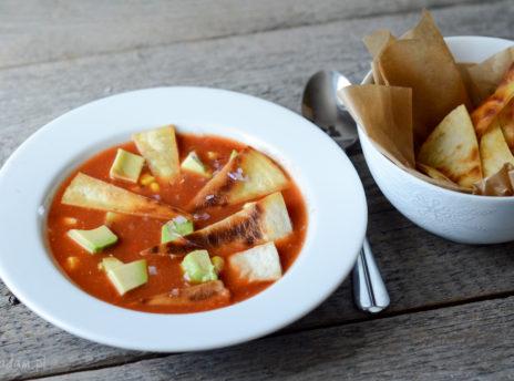 Meksykańska zupa limonkowa z awokado