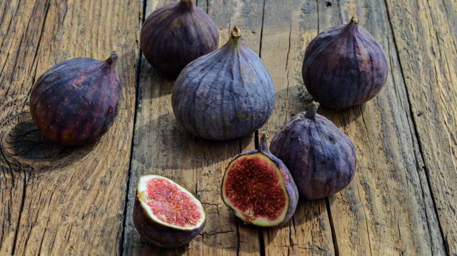 Orzechy i suszone owoce, czyli co nieco o bakaliach