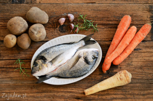 Dorada pieczona z warzywami