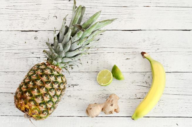 Rozgrzewający koktajl z ananasem i imbirem