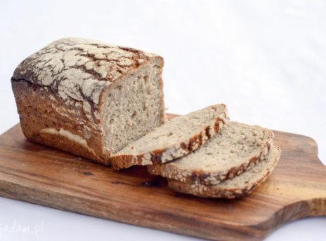 Ile kalorii ma chleb żytni?