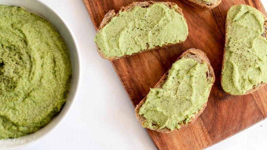 Domowe pesto brokułowe