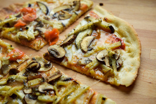 Szybka pizza z grzybami i bakłażanem