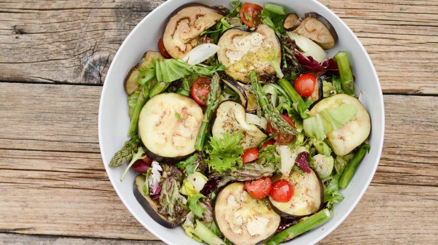 Sałatka z grillowanymi warzywami