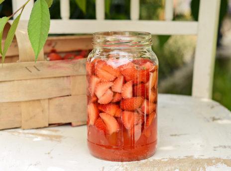 Ocet truskawkowy