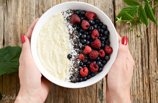 Pudding jaglany z owocami