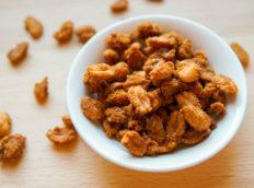 Orzeszki ziemne w karmelu - prażone i solone, pikantne